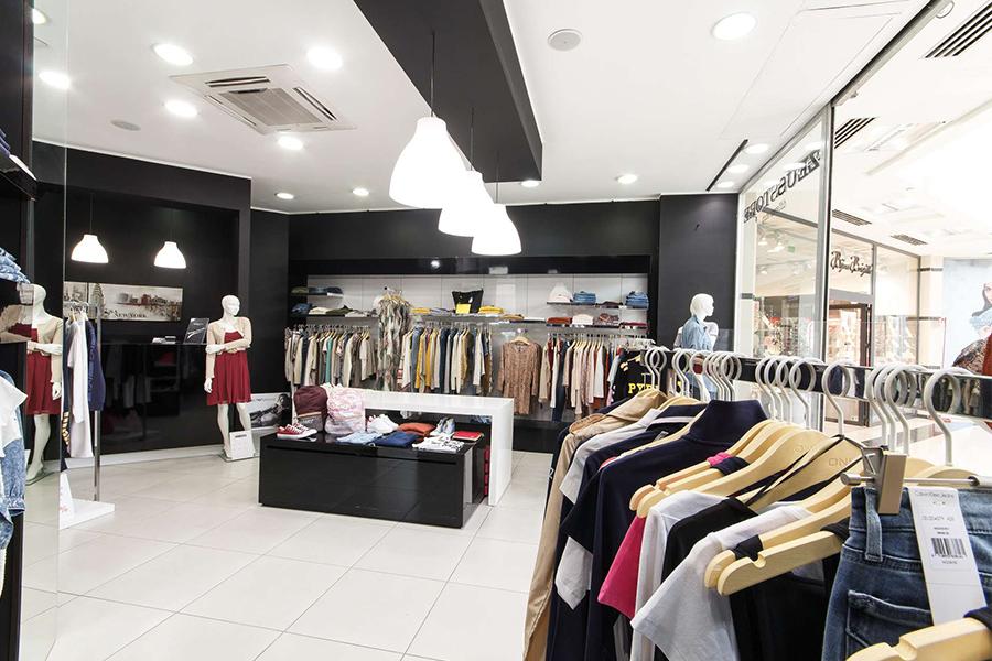 best service 90f01 354c9 Negozi Abbigliamento Abbigliamento Negozi Negozi Donna ...
